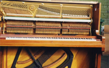 picture of overstrung piano